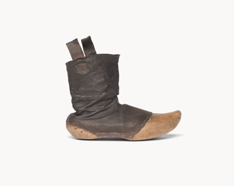 Beaked Boots via the National Museuem of Finland will be displaying at the National Museum of Korea in Seoul. One of many art exhibitions in Seoul, Korea during the month of February 2020.